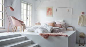 Pink bedroom, by Cleo Scheulderman